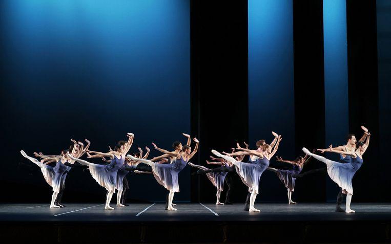 7e Symfonie van choreograaf Toer van Schayk door Het Nationale Ballet Beeld Hans Gerritsen