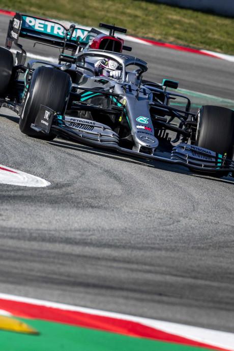 LIVE   Motorproblemen voor Ricciardo, Bottas sneller dan Hamilton