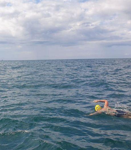 Une Belge de 50 ans réalise l'exploit de traverser la Manche à la nage