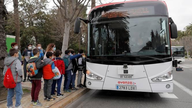 Primeur in Europa: zelfrijdende bus vervoert passagiers in Spaans verkeer