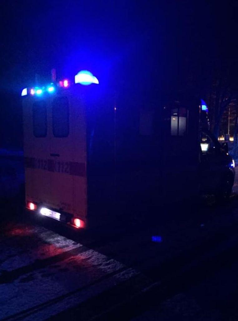 Het reddingsteam liet meteen een ziekenwagen komen om de man mee te nemen.