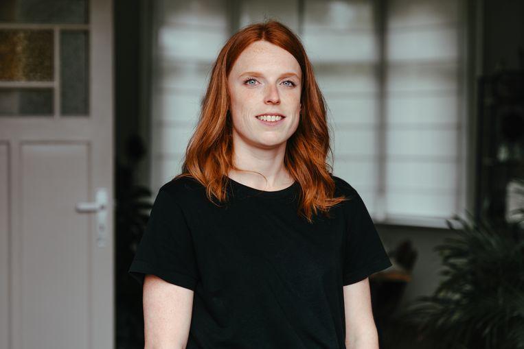 Shana Tielemans (28) uit Sint-Andries: 'Ik kies uit gemak voor een vaccin, niet uit burgerplicht.' Beeld Damon De Backer
