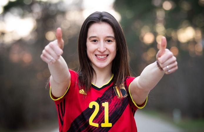 De Belgische gymnast Nina Derwael zal op de Olympische Spelen bijgestaan worden door Heuls en Kieffer.