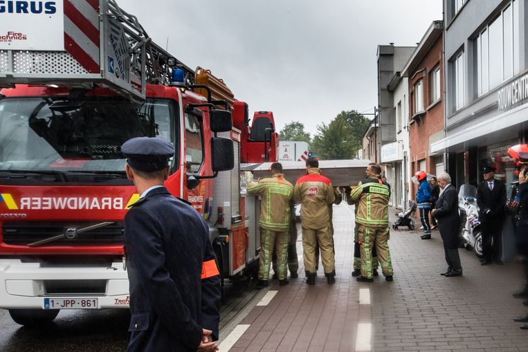De pakkende uitvaart met erehaag in Heusden-Zolder.