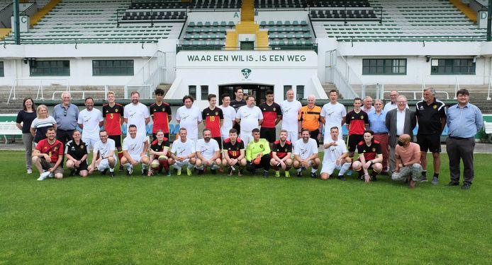 Het nationale Unified-team nam het in zijn eerste wedstrijd in het stadion van Racing Mechelen op tegen een BV-team.