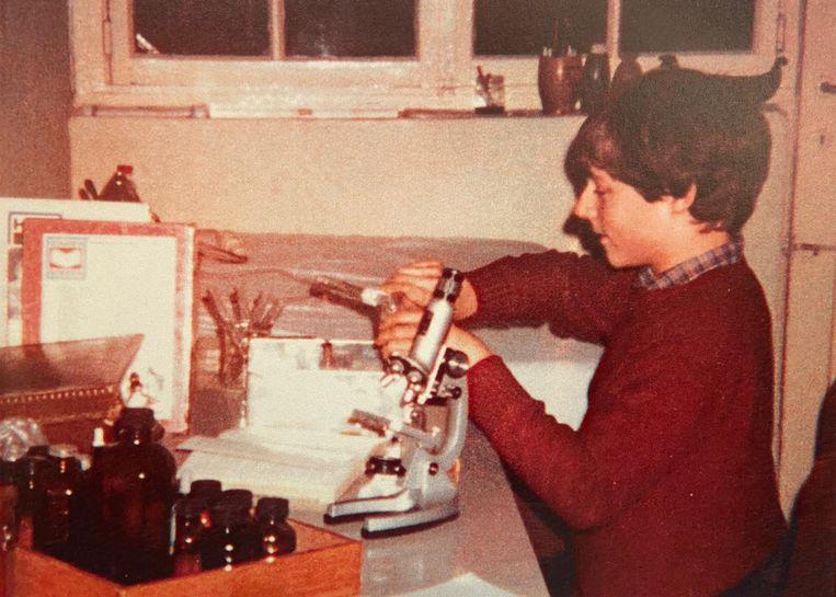'Het minilaboratorium dat ik als kind bij ons thuis in de kelder had geïnstalleerd, heeft mijn leven veranderd. Sindsdien heb ik me werkelijk nog geen seconde verveeld.' Beeld HUMO