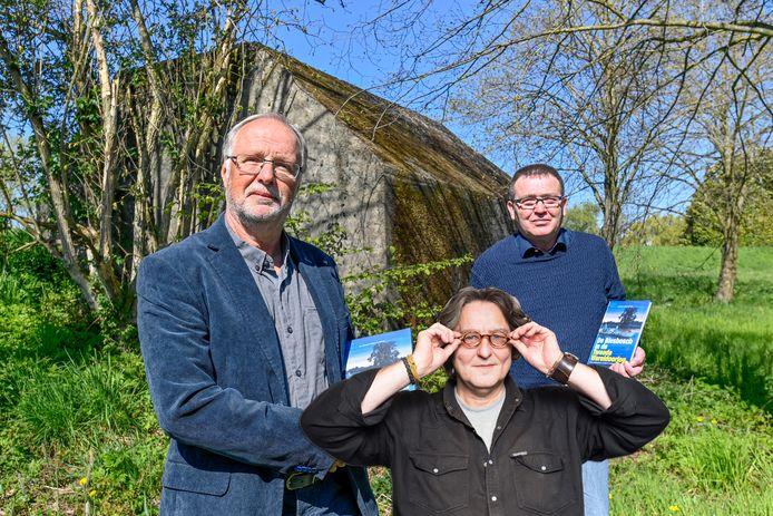 Kees Thies over het boek 'De Biesbosch in de Tweede Wereldoorlog' van de Dordtenaar Leen Fijnekam en de Papendrechter Alfons van Bokhorst.