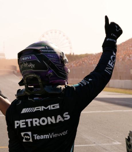 Hamilton onder de indruk van Verstappen: 'Max ging als een raket van start'