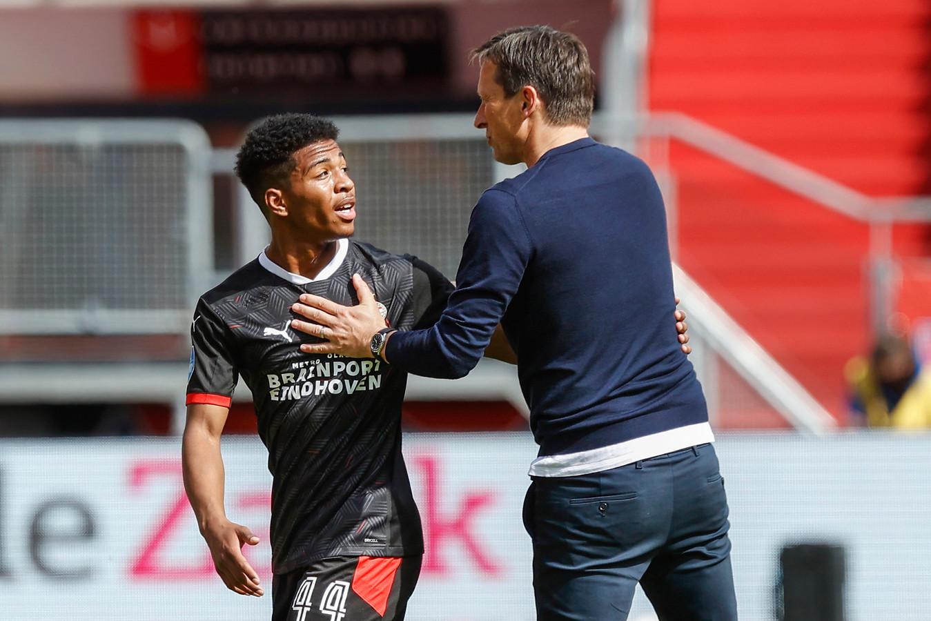 Shurandy Sambo maakte tegen FC Utrecht zijn debuut in het eerste elftal van PSV.