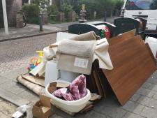 Is Den Haag bezig met een verlate voorjaarsschoonmaak? Straten liggen vol met grofvuil