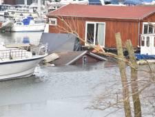 Vakantiewoning zinkt in jachthaven De Bijland in Tolkamer