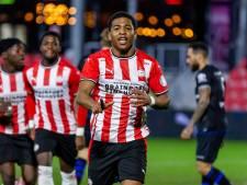 'Shu' Sambo blijft loeren op zijn kans bij PSV: 'Denzel Dumfries motiveerde me om volop door te zetten'