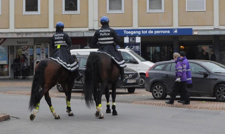 De Federale Politie met paard op het Koning Albertplein.