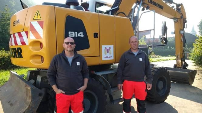 """Maldegem stuurt medewerkers Stefaan en Steve om puin te ruimen in Trooz: """"We schenken liever hulp dan geld"""""""