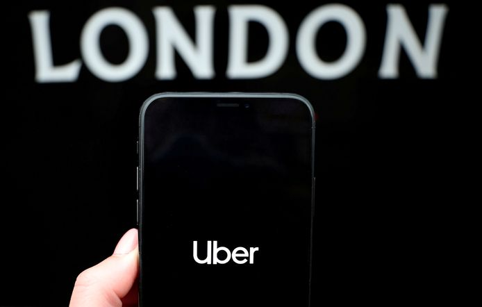 Uber ligt in de clinch met een klant, nadat een chauffeur de taximeter weigerde uit te zetten.
