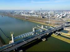 Kans op bredere Hartelbrug: 'Files treffen ook de haven'