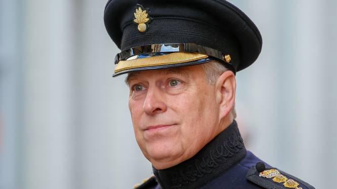 """FBI heeft vrouw gevonden die kan getuigen tegen prins Andrew: """"Hij heeft mijn borsten vastgegrepen"""""""