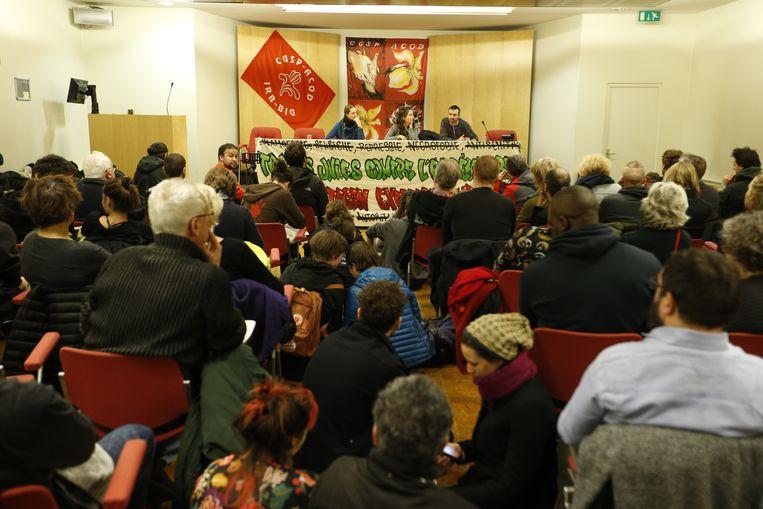 De organisatoren van de betoging tegen de Mars tegen Marrakech houden ook een meeting in het gebouw in de socialistische vakbond ACOD. Beeld BELGA