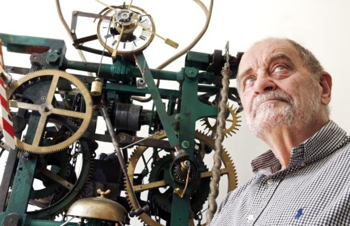 De Oosterhoutse kunstenaar Piet Hohmann is dol op techniek en maakte onder meer dit uurwerkfoto Johan Wouters/het fotoburo