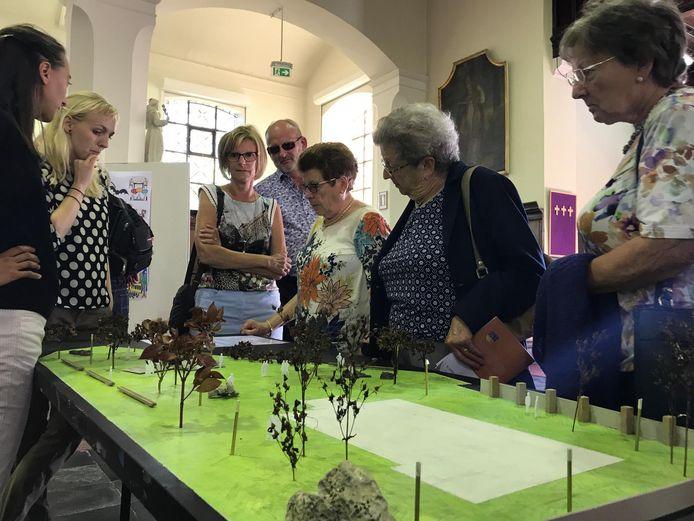 De inwoners konden zich afgelopen weekend buigen over de toekomst van hun kerk(plein).