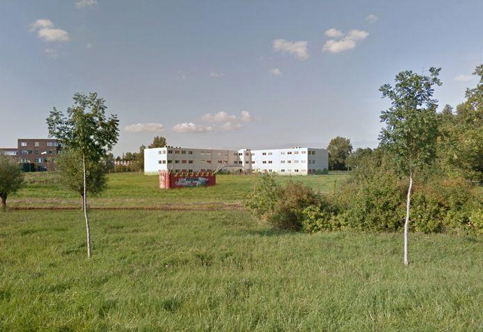 De noodlokalen in Weyevliet in Vlissingen werden een tijd als zorgcentrum gebruikt. Ondernemers willen ze nu naar Terneuzen overbrengen om er daar tijdelijke woningen voor arbeidsmigranten in te creëren.