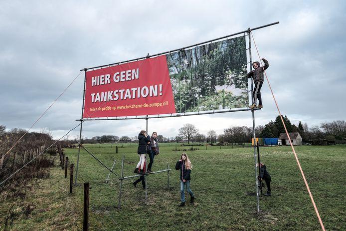 Het protestbord bij de Zumpe, begin 2020.