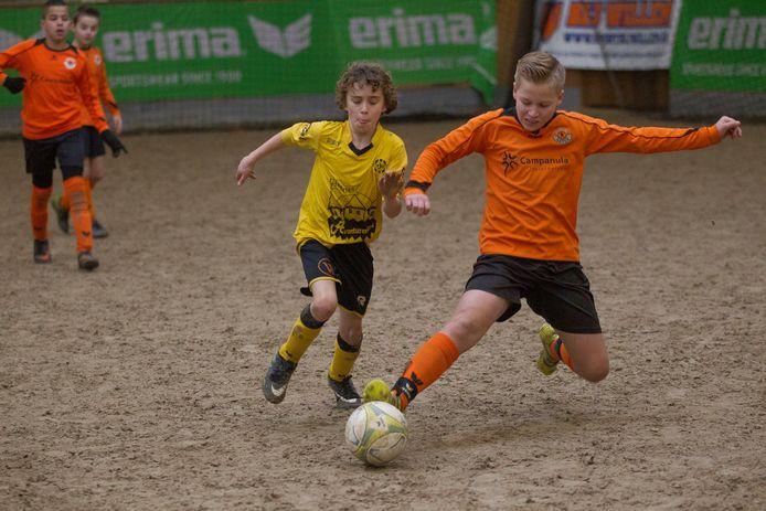 Manegevoetbal in Asten.