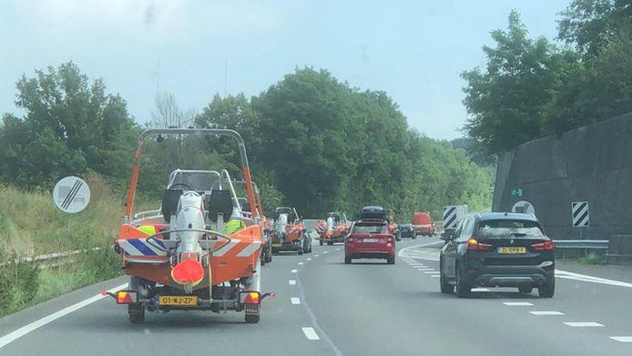 De Reddingsbrigades Wierden, vrijdag op weg naar Limburg.