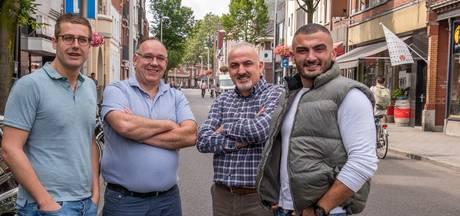 """Stadsportret: Jan & Yadigar, elkaars spiegelbeeld aan de Korvelseweg: ,,Deze straat lééft"""""""