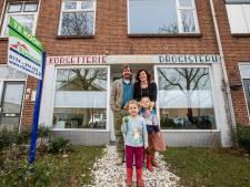 Annetje en Sven verkopen hun huis in het rustige en ruime Poeldijk: 'Groen, maar nog niet groen genoeg'