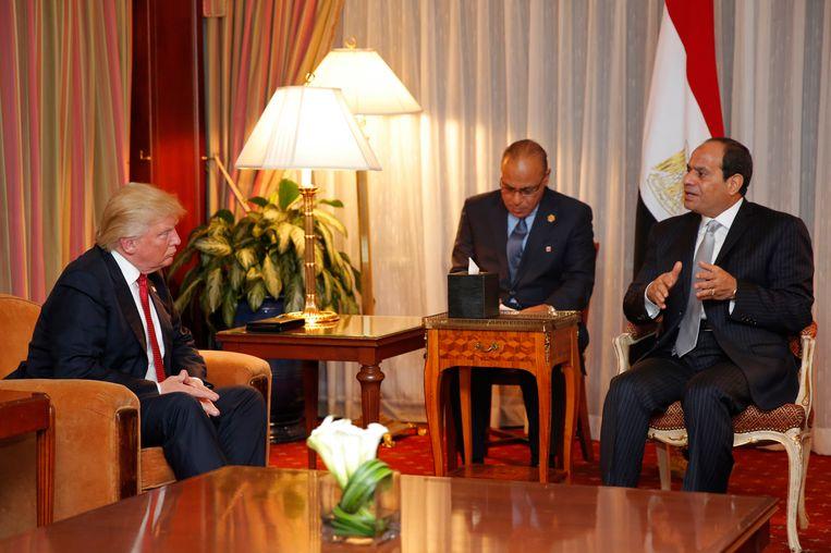 Donald Trump ontmoet de Egyptische president El-Sisi. Beeld afp