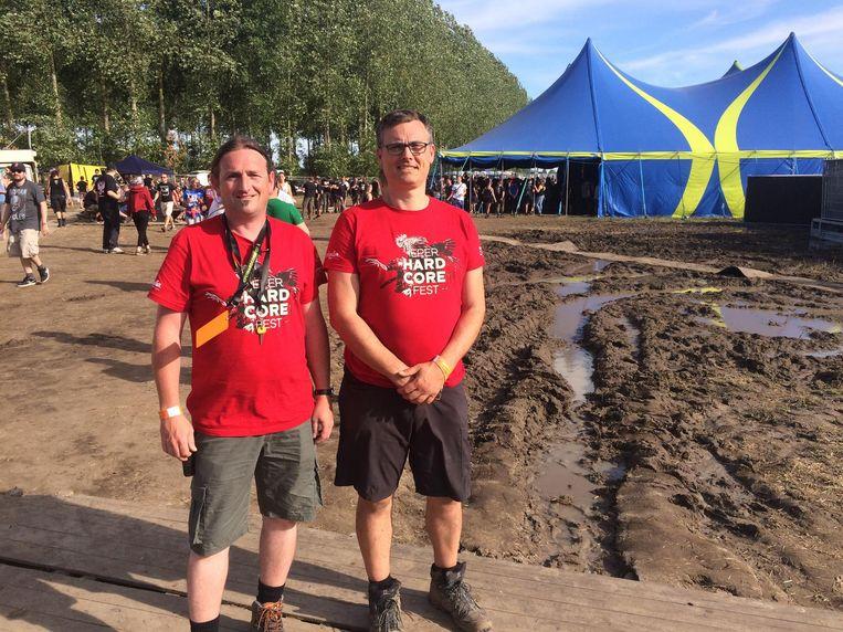 Organisatoren Davy Bauwen en Bruno Vandevyvere op het terrein van Ieperfest.