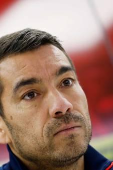 Van Bronckhorst bespeurt spanning in zijn elftal