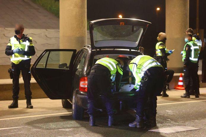 Grote politieactie in Hedel.