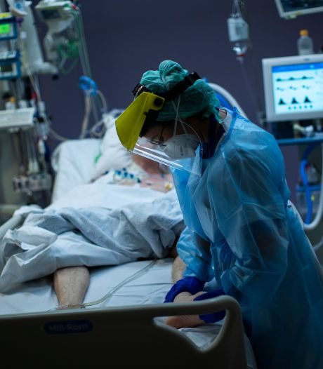 Les patients actuellement hospitalisés sont plus jeunes et souffrent de surpoids