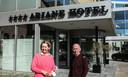 Natasja Feliers en Ringo Lemaire baten samen met Johan Vanhoute (niet op foto) het Ariane Hotel in Ieper uit.