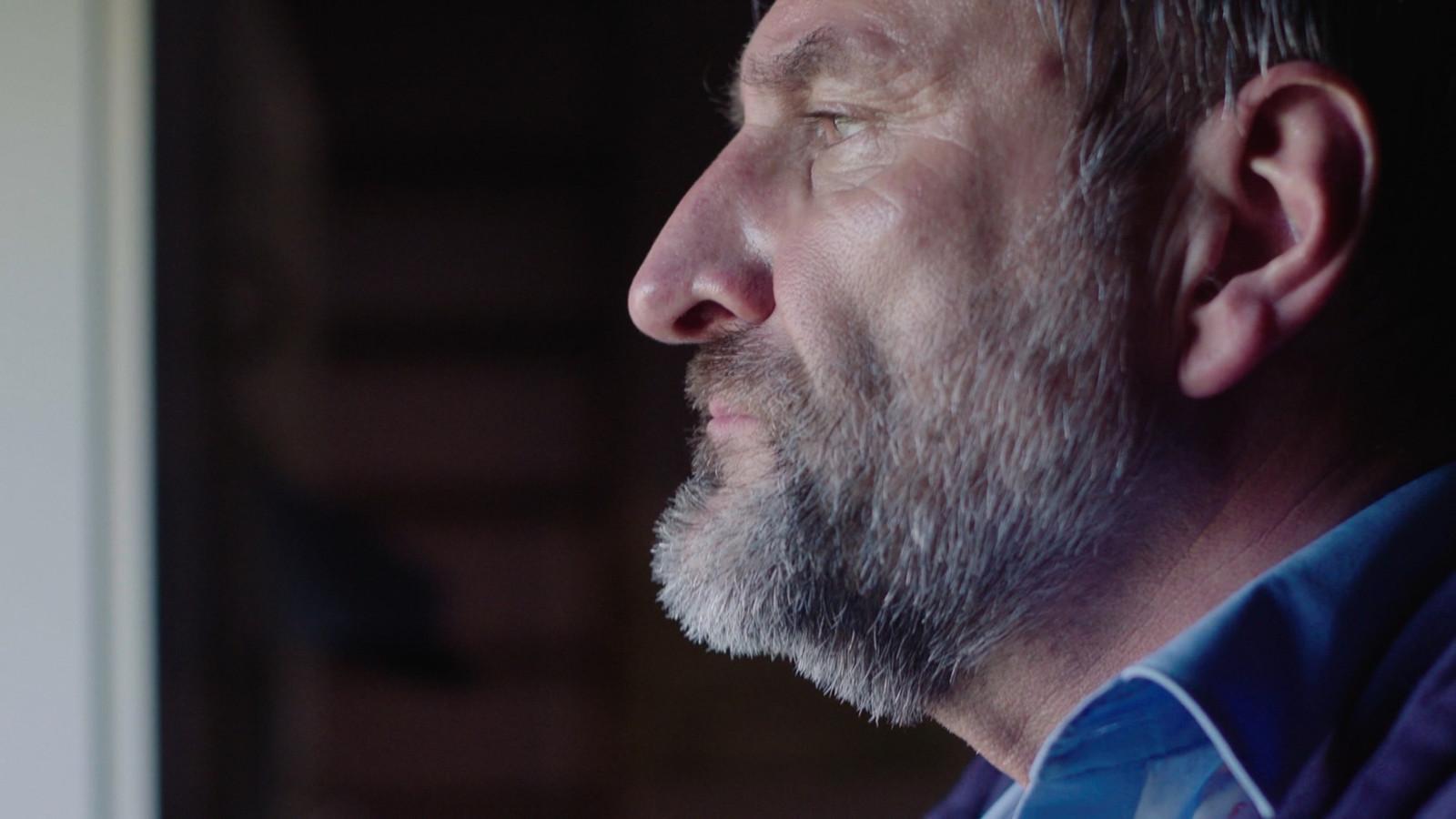 Psychopaat Jacques (Peter Van de Velde) zaait al wekenlang terreur in 'Thuis'.