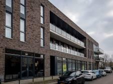 Vrouw wil verhuizen nadat rouwcentrum zich onder haar woning vestigt: 'Ik word er akelig van'