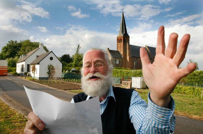 Paul van Mook schreef vroeger ook dorpsliederen over Gellicum. Deze foto dateert uit 2007.