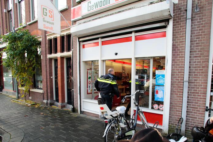 De politie is op zoek naar getuigen na een mislukte overval in Dordrecht.