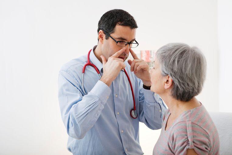 Jeuk aan de neus kan komen door verwijde bloedvaatjes. Beeld UIG via Getty Images