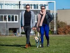 Hondenpoepbakken puilen uit en uitlaatvelden liggen vol schijt: 'Nog nooit iemand een boete zien krijgen'