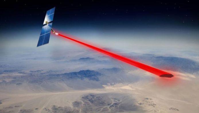 Le panneau baptisé PRAM, pour Photovoltaic Radiofrequency Antenna Module (module d'antenne radiofréquence photovoltaïque) est conçu pour utiliser au mieux la lumière dans l'espace qui ne traverse pas l'atmosphère.