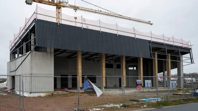 """Gemeente sluit overeenkomst van 70.000 euro rond bouw brandweerkazerne: """"Enige manier om werken nog dit jaar klaar te krijgen"""""""