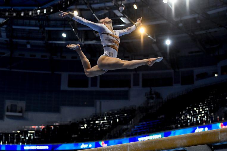 Nina Derwael pakt goud op de balk tijdens de Europese Spelen in Minsk. Beeld BELGA