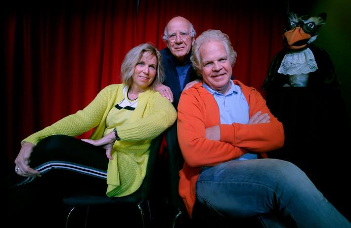 Hans en Gerdien Stoutjesdijk en Jan Roeland (midden).
