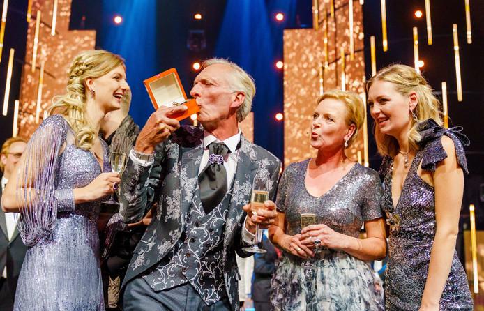 De Meilandjes straalden in creaties van Addy van den Krommenacker tijdens het Televizier-gala.