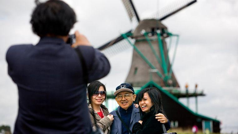 De hop-on hop-off bus brengt toeristen naar landelijk Noord Beeld ANP