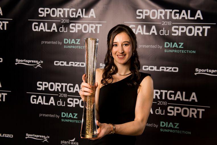 Nina Derwael wint de trofee voor Sportvrouw van het jaar. Beeld BELGA