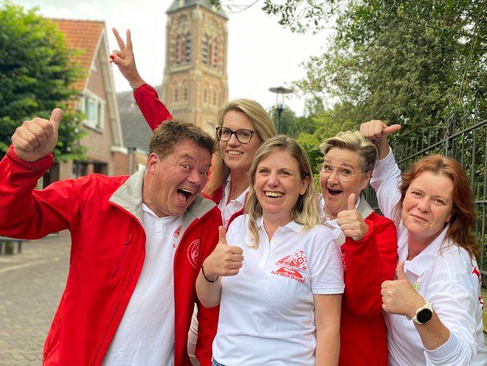 Het Kermiscomité in Bavel - v.l.n.r. Gerhard Martens, Sandra van Dijk, Maaike Stegehuis, Maaike da Silva en Wendy Grauwmans - kijkt ernaar uit weer een kermis te houden in het dorp.